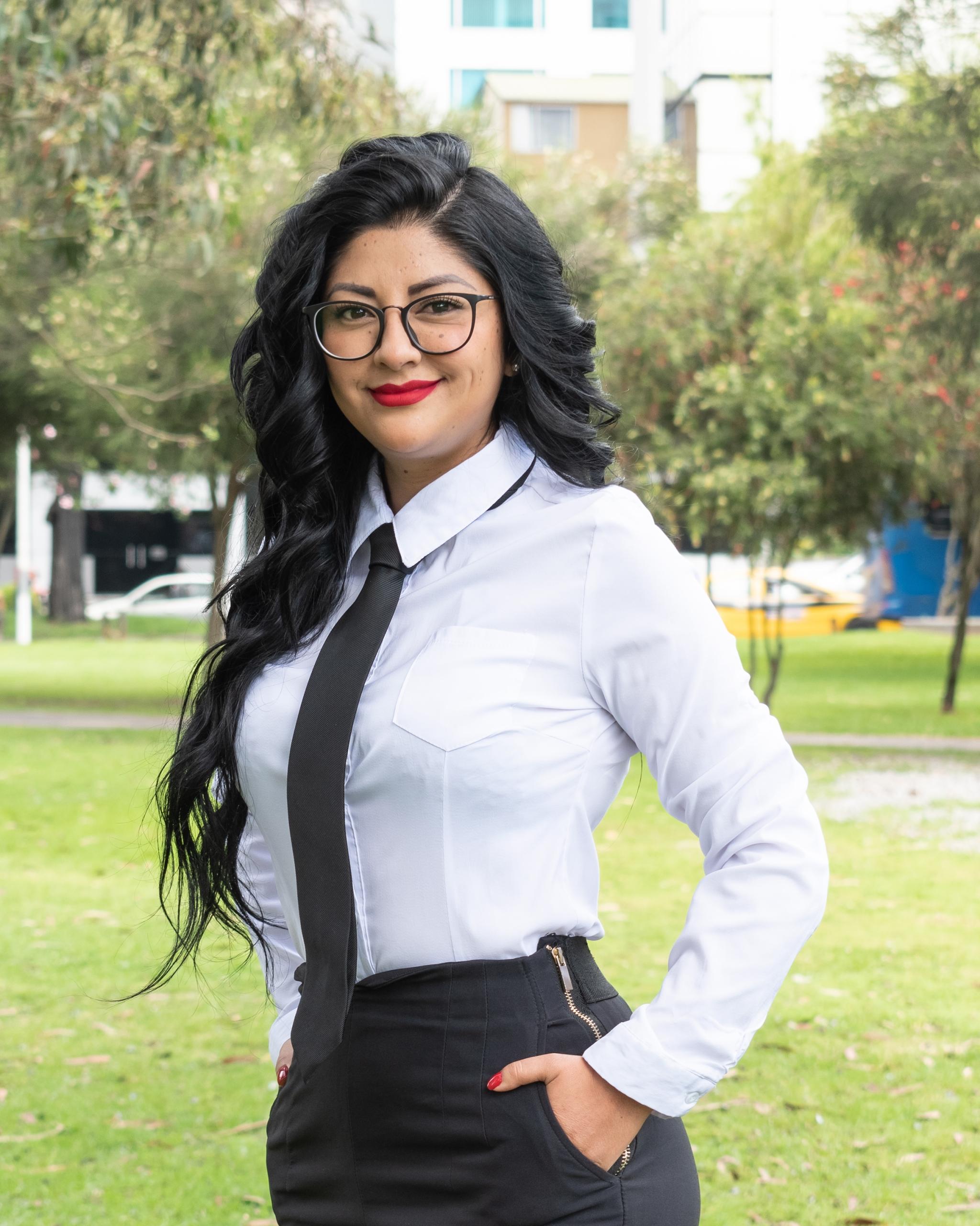 Giselle Tulcán  Ejecutiva de Servicio a usuarios
