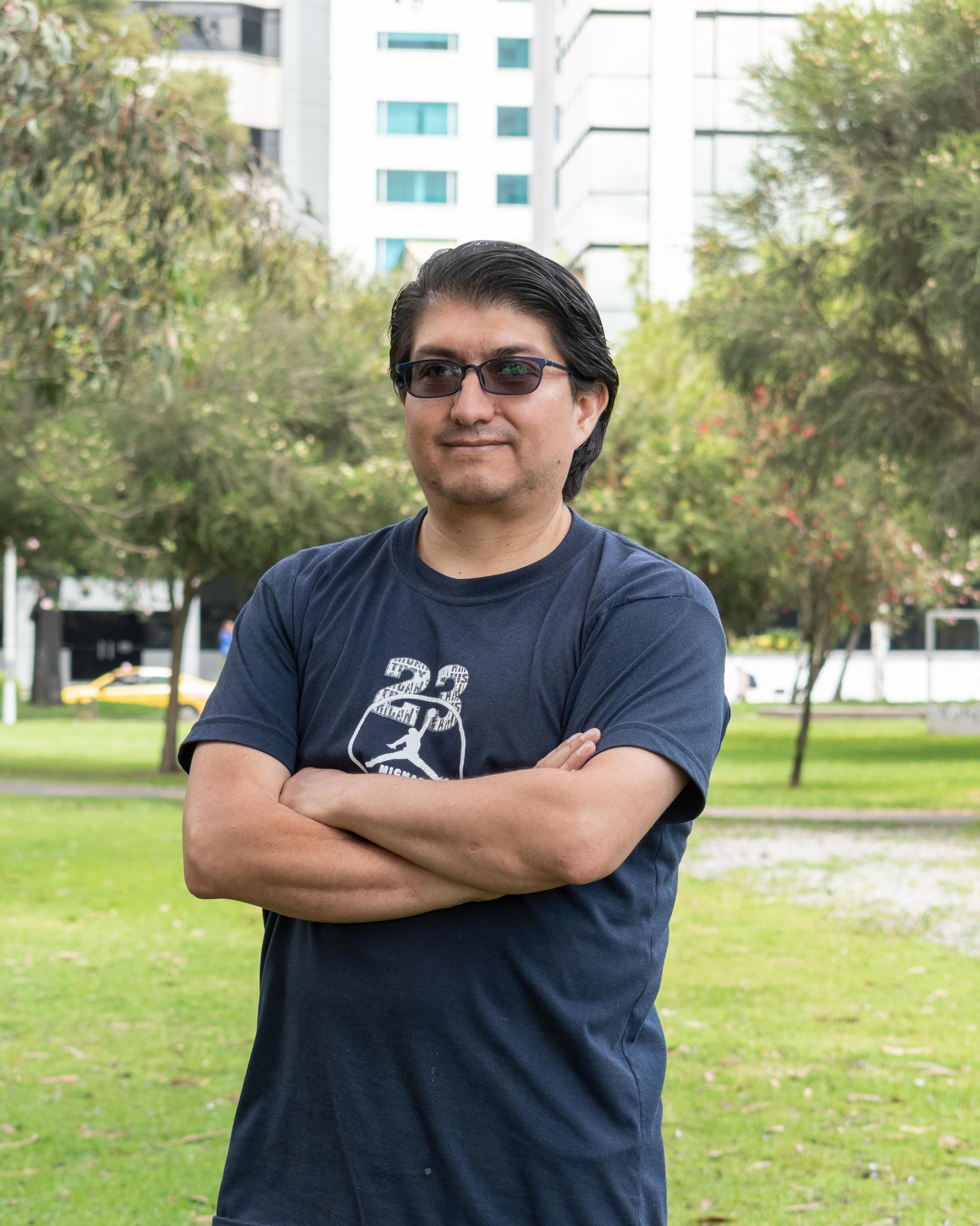 Oscar Zurita  Profesional de Logística y servicios